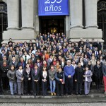 Funcionarios de la Biblioteca Nacional inmortalizan fotografía de Bicentenario