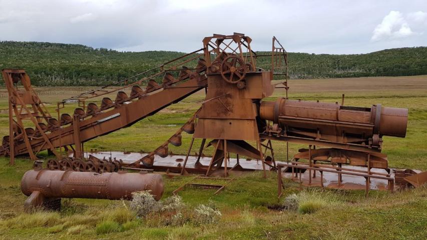 Imagen del monumento Draga aurífera existente en Russfin