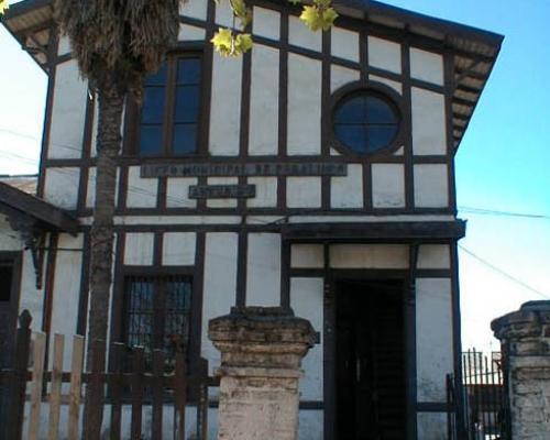 Imagen del monumento Escuela básica de Peralillo
