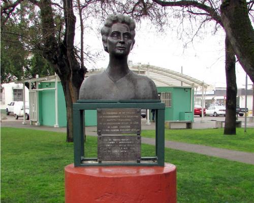 Imagen del monumento Amelia Troncoso T.