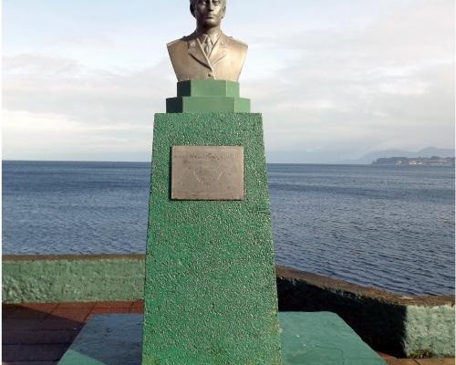 Imagen del monumento Teniente Hernán Merino