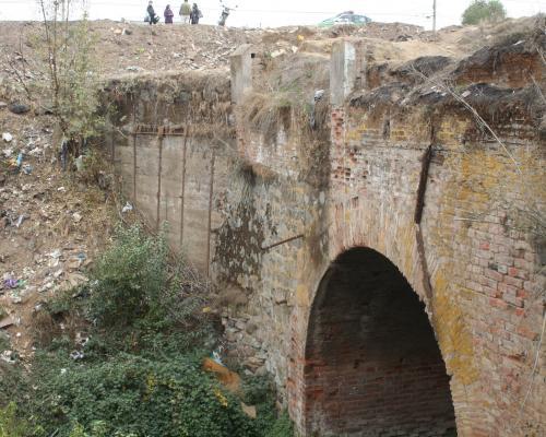 Imagen del monumento Puente colonial en el Canal San Carlos Viejo