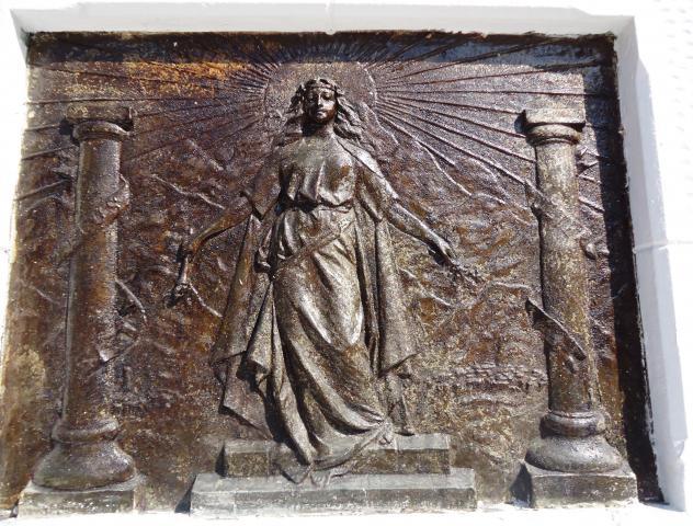 Imagen del monumento El León