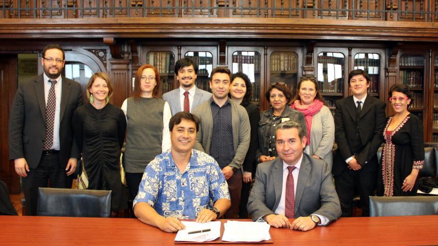 Imagen de CMN firma Alianza de Cooperación con comunidad Rapa Nui, Mau´ Henua