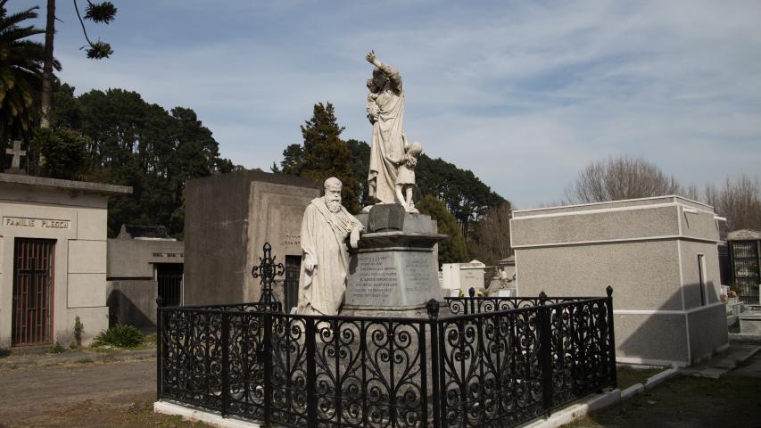 Imagen de APRUEBAN SOLICITUD DE DECLARATORIA COMO MONUMENTO HISTÓRICO DE MAUSOLEO DE PEDRO DEL RÍO EN CONCEPCIÓN
