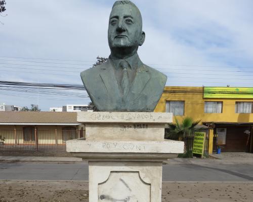 Imagen del monumento Braulio Arenas
