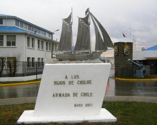 Imagen del monumento A Los Hijos De Chiloé