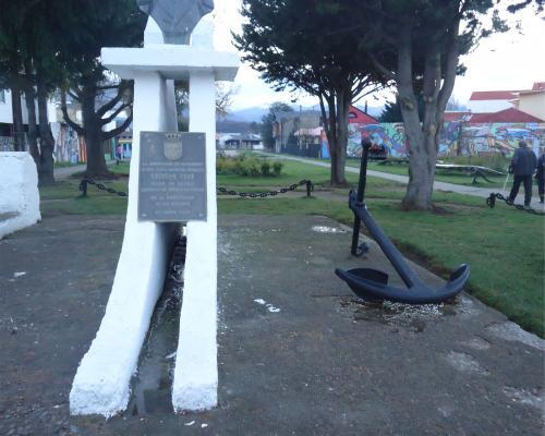 Imagen del monumento Capitán Prat
